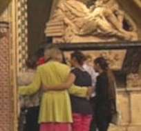 En compañía de la baronesa Nicholson, las tres jóvenes visitaron la Abadía de Westminster.