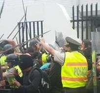 MACAS, Ecuador.- Pobladores shuar y achuar protagonizan las protestas. La Policía intervino y se provocaron los desmanes. Foto: Conaie