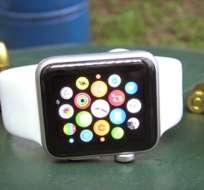 Se conoce que la pantalla de este dispositivo es más dura que la del Apple Watch Sport, su otra presentación. Foto: Captura de Video.