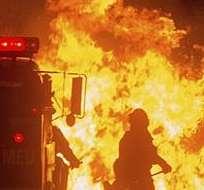 CALIFORNIA, Estados Unidos.-  Alrededor de 9.600 bomberos de todo el estado se desplazaron hacia los puntos críticos. Foto: EFE