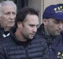 BUENOS AIRES, Argentina.- Hugo y Mariano Jinkis cuando fueron detenidos. Foto: Archivo.