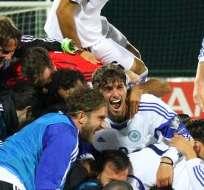 VILNIUS, Lituania.- Los jugadores festejaron como si hubiesen ganado un título. Foto: AFP.