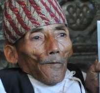 NEPAL.- El nepalés Chandra Bahadur Dangi, de 54,6 cm de estatura, falleció a los 75 años. Foto: Récord Guinness