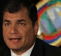 """Rafael Correa pidió hoy a los ciudadanos que ejerzan su derecho a la resistencia ante lo que llamó """"absolutas minorías extremadamente violentas"""" y pidió cuidar los bienes públicos y privados. Foto archivo."""
