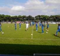 La delegación viajó a Uruguay, donde buscará la clasificación a la siguiente fase de la Sudamericana.