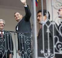 ECUADOR.- Los mandatarios se reúnen en el palacio de Carondelet con los mediadores Correa y Vásquez. Fotos: API
