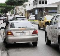 GUAYAQUIL, Ecuador.- Desde este 1 de octubre no se permite dejar o recoger pasajeros en la calle Boyacá. Foto: API