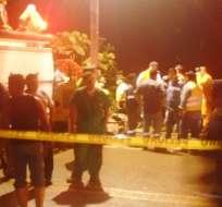 Un bus que salió de Cuenca se accidentó en La Delicia, a pocos kilómetros de La Troncal. Fotos Cortesia Carlos Bejarano