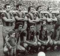 BARCELONA, España.- Esta fue la primera vez que Cruyff jugó en el equipo 'culé'. Foto: MARCA.