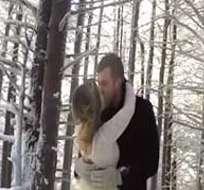Addie y Marshall Burnette se casaron en un bosque y tuvieron un peculiar fotógrafo.