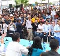 GUAYAQUIL, Ecuador.- También se informó sobre las indemnizaciones que recibirán quienes deban salir del lugar. Foto: Twitter: @jaimenebotsaadi