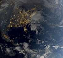 La tormenta se mueve rápidamente, a unos 560 kilómetros al sur de Carolina del Norte. Foto: AFP