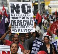 ECUADOR.- Gremios sociales, sindicales e indígenas se agrupan para planificar las acciones de resistencia ante la posible aprobación de las enmiendas constitucionales. Foto: API