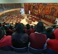 QUITO, Ecuador.- La Asamblea Nacional revisa el polémico proyecto en segundo y definitivo debate. Foto: API