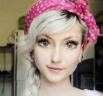 """La brasileña Andressa Damiani ha impactado en redes por su enorme parecido con """"Elsa"""". Foto: Daily Mail"""