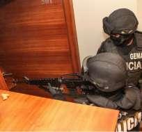 Dos policías en servicio activo forman parte de los 14 detenidos en el operativo. Foto: Referencial / Archivo