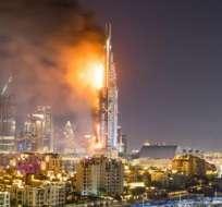 DUBAI, Emiratos Árabes Unidos.- Según los investigadores, el incendio comenzó en el piso 20 del hotel The Address Downtown hacia las 21H30 del 31 de diciembre. Fotos: EFE.