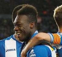 BARCELONA, España.- Felipe Caicedo no pudo terminar el partido por una lesión. Foto: EFE.