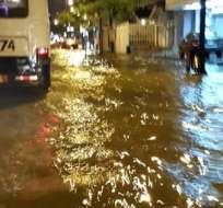 GUAYAQUIL, Ecuador.- Así lució la noche del 12 de enero el sector de Urdesa por las lluvias. Foto: CUPS Fire Gye