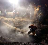 La tubería madre que abastece de agua a sectores del norte, centro y sur se estropeó. Foto: Interagua