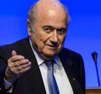 LAUSANA, Suiza.- Platini se perfilaba como el sucesor de Blatter en la FIFA. Foto: AFP.