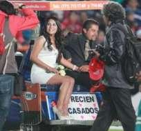 PACHUCA, México.- La pareja se retiró del campo en el carrito para jugadores lesionados. Foto: Criteriohidalgo.com