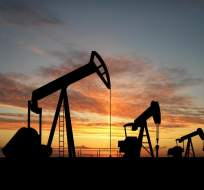 El barril de petróleo Brent subió un 6,3 % luego de que 4 países anuncien congelamiento. Foto: www.revistamercado.do