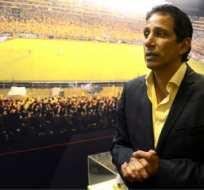 José Francisco Cevallos está molesto porque cada semana aparecen más deudas en Barcelona.