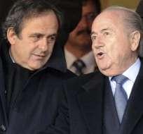 PARÍS, Francia.- Platini se perfilaba como el sucesor de Blatter en la FIFA. Foto: Archivo.