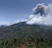 TUNGURAHUA, Ecuador.- Imagen del volcán Tungurahua captada durante su actividad el 27 de febrero de 2016. Foto: API