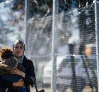 Según la AFP,  varios migrantes duermen al aire libre, en condiciones deplorables. Foto: AFP