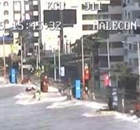 SALINAS, Ecuador.- Las imágenes corresponden al sector conocido como San Lorenzo, ubicado en el malecón del balneario peninsular. Foto: ECU 911 Samborondon.