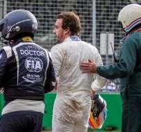 """MELBOURNE, Australia.- """"Doy gracias por estar vivo y que no haya pasado nada serio"""", dijo Alonso tras el accidente. Fotos: EFE."""
