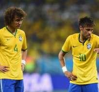 David Luiz y Neymar no podrán jugar con Brasil ante Paraguay por encontrarse suspendidos.