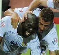 LONDRES, Inglaterra.- Souleymane Doukara tendrá ocho juegos de suspensión.