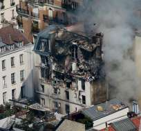 Una fuerte deflagración destruyó casi por completo las tres últimas plantas de un edficio. Foto: EFE