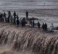 Cuatro pueblos de las zonas de Chitral y Swat fueron evacuados por su cercanía a un río. Foto: AFP