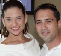 MIAMI, EE.UU.- Jiménez y su pareja, Daniel Trueba, aún desconocen el sexo de la criatura. Foto: Quien.com.