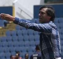 MANTA, Ecuador.- Bustos y sus jugadores vivieron momentos de angustia durante el terremoto. Foto: API.