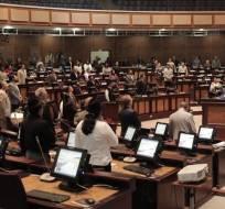 Entre otros puntos, la norma exonera del Impuesto a los Consumos Especiales a las donaciones para el terremoto. Foto: @AsambleaEcuador