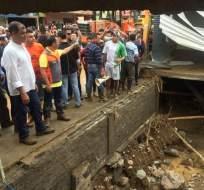 ALLURIQUÍN, Ecuador.- El presidente de la República, Rafael Correa, durante una visita a la parroquia afectada. Foto: @Presidencia_Ec