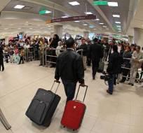 ECUADOR.- El pago del tributo rige para las personas que salgan de Ecuador vía aérea o terrestre. Foto: API