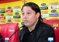 El vicepresidente deportivo de Barcelona aseguró que no quieren que les vuelva a pitar Roddy Zambrano. Foto: Archivo