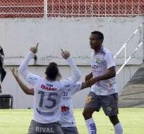 QUITO, Ecuador.- Silva festeja su gol ante el Aucas. Foto: API.