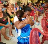 PEDERNALES, Ecuador.- La Armada Nacional agasajó a las madres damnificadas de Manabí. Foto: Armanda Nacional