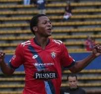 QUITO, Ecuador.- Estrada festeja el gol de la victoria. Foto: API.