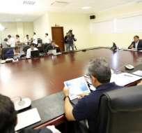 El presidente Correa dijo que se terminó el contrato con la empresa encargada de logística. Foto: Presidencia