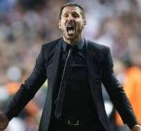 El técnico del Atlético de Madrid, Diego Simeone, alista unas variantes para enfrentar al Real.