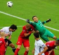 PARÍS, Francia.- Alemanes y polacos igualaron sin goles. Foto: EFE.