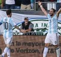 Lionel Messi y Gonzalo Higuaín son dos de las figuras que tiene Argentina.